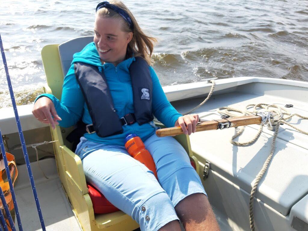 Anja in een bootje op het water
